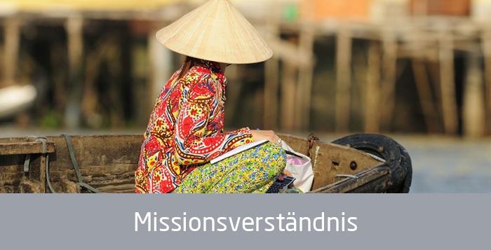 Asien Frau in einem Boot, Text: Missionsverständnis